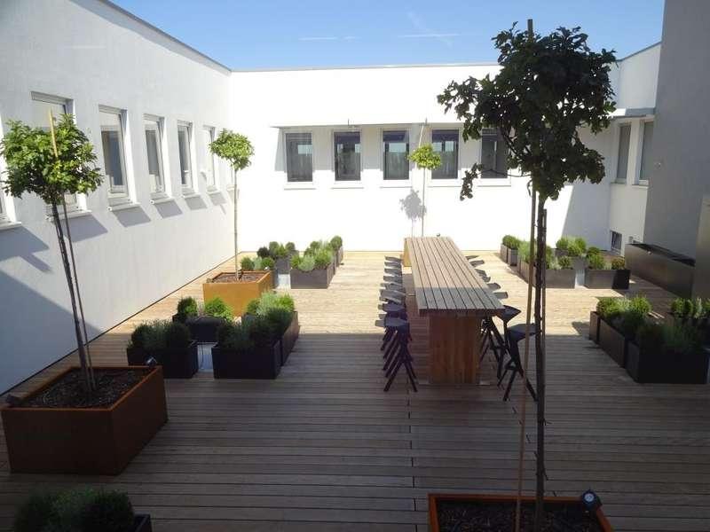 06 Bürogebäude - Innenhof